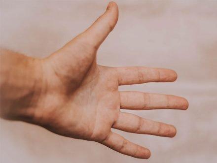 Cisti di mano e polso, quando è necessario l'intervento chirurgico?