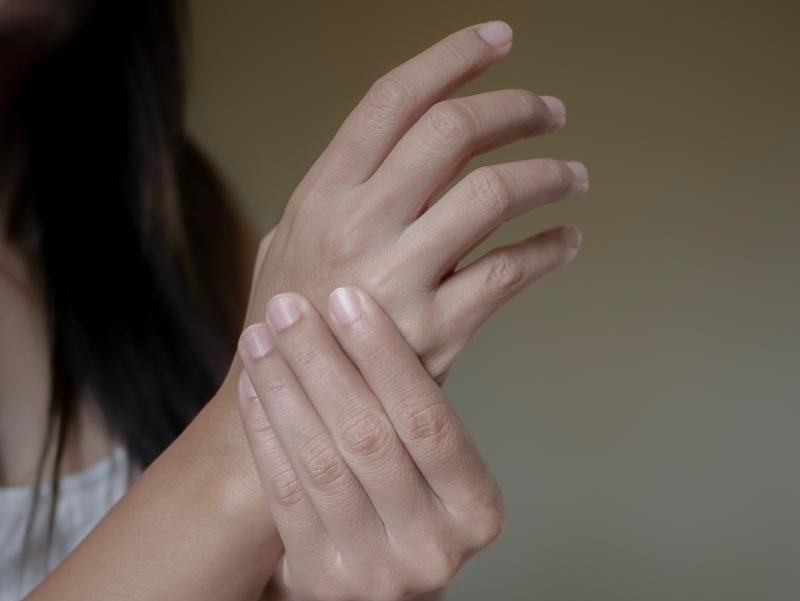 """Sindrome del tunnel carpale: non colpisce solo chi ha """"le mani in pasta"""""""